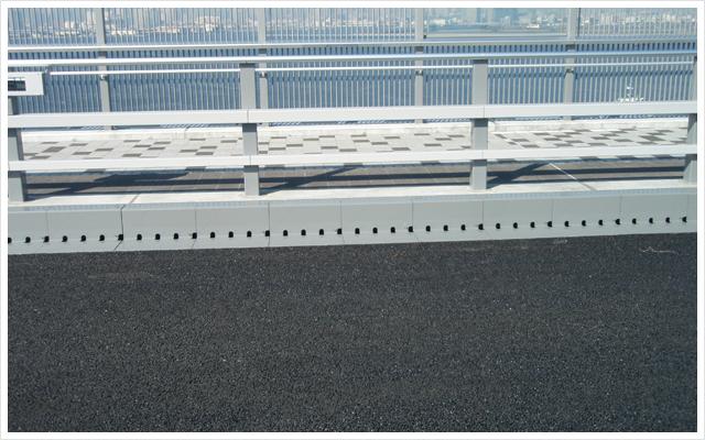 鋼製排水溝 鋼製縁石