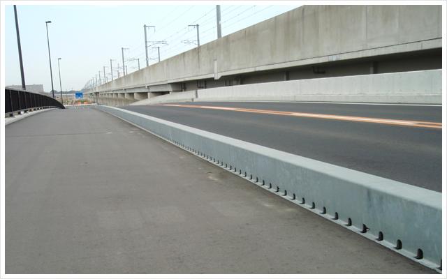 鋼製排水溝 高架橋
